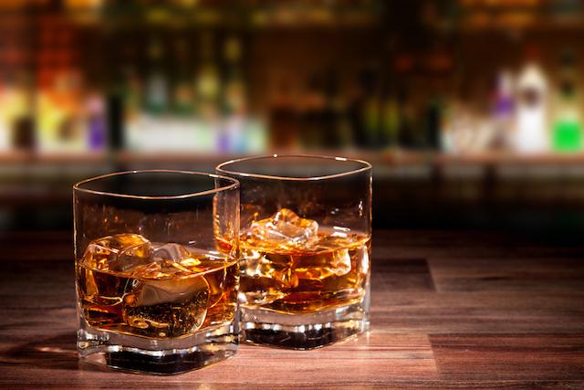 【快挙】世界一のウイスキーが日本に!本場英国が認めた「サントリー山崎」