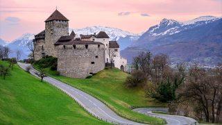 【世界の小さな美しい国】ヨーロッパ一の富豪王族が君主、小さくても豊かな国リヒテンシュタイン