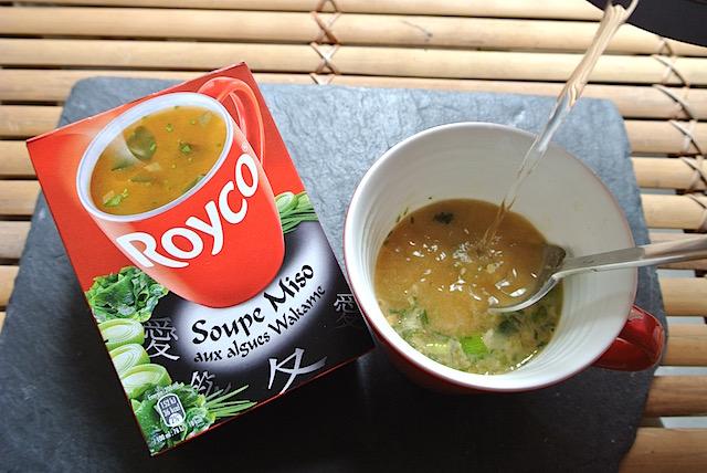 【フランス】みそ汁なのに麺入り!? スーパーで見つけた面白いみそ汁