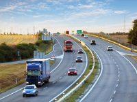 高速でインター通り越したらどうする?夏の自動車旅行のトラブル5選