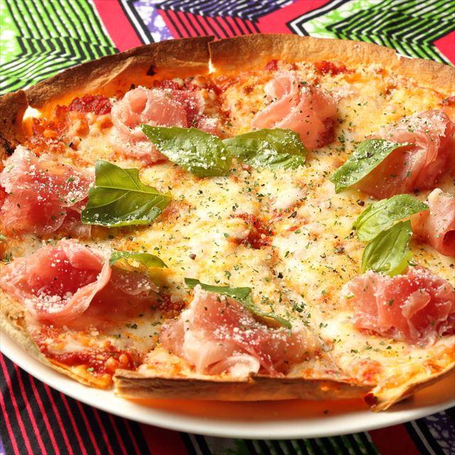 生ハムとモッツァレラチーズのピザ食べ放題!「旅ノリフェス」開催中
