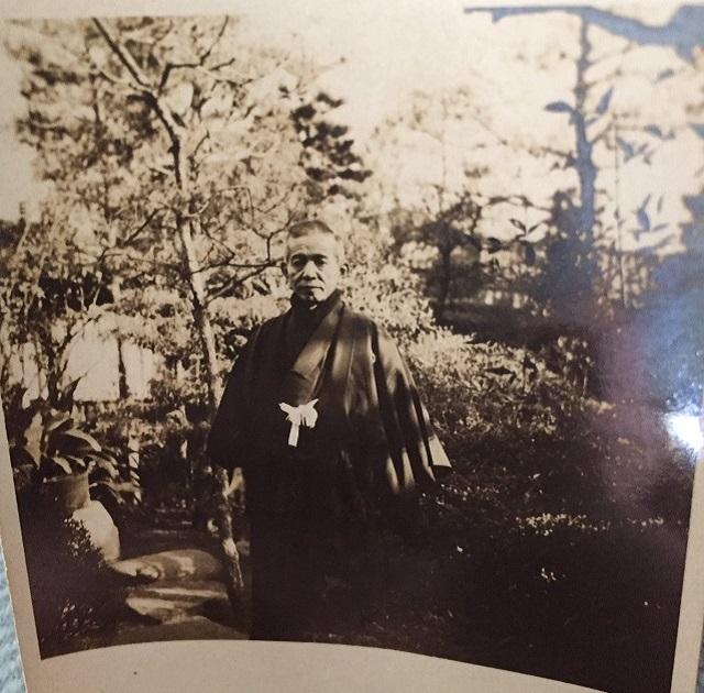 【捜索】アンティーク家具に入っていた日本人家族の写真を返したいNZ女性