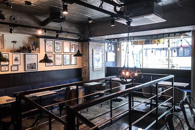 パリッと弾けるジューシーさ!肉カフェ自慢の極太ソーセージフェア【渋谷】