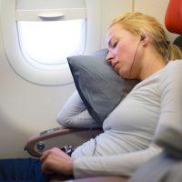エコノミークラスでぐっすり眠るための4つの方法