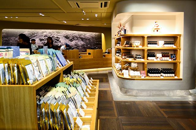パッタイの専門店、イタリア食材のお店も!今日オープンの東京駅「グランスタ丸の内」の新エリアを紹介!