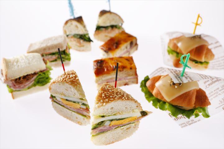 行列必至!日本庭園を眺めながら『サンドウィッチ&スイーツビュッフェ』