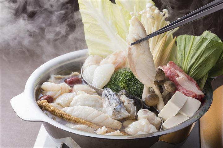 ロブスターや和牛も!旬の高級食材をふんだんに使用した冬のごちそうメニュー