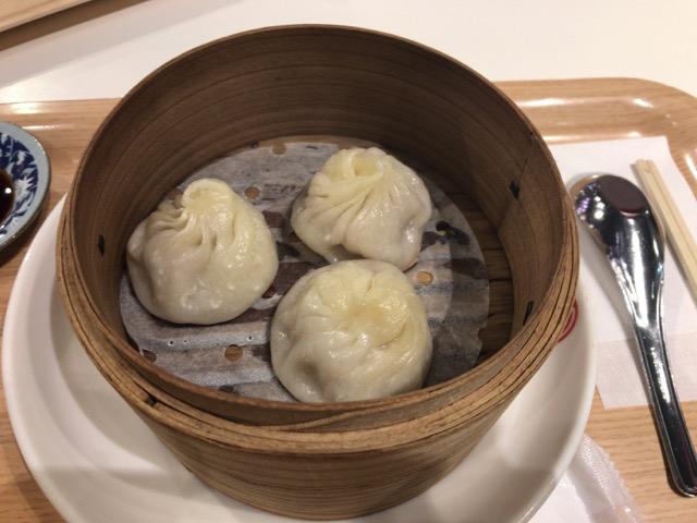 まるで宝石のよう! ぷるぷるの寒天ゼリーが眩しい「香港スイーツ果香」