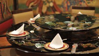 中国発じゃないの?中華料理店の回転テーブルは日本で誕生した【日本の不思議】