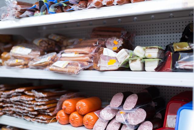 懲役3年か罰金100万!?海外旅行から日本に食肉加工品を持ち帰る際の〇×クイズ