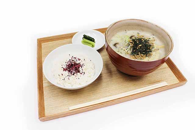 秋の京都を彩る上質なお茶メニュー「祇園辻利×カフェコムサコラボレーション」