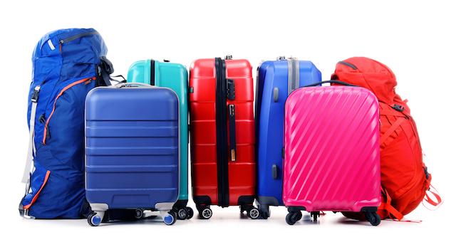 スーツケースの汚れやシール跡はどうする?専門家に聞いたお手入れテクを伝授