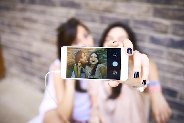 SNSテク ランキング 自撮り写真を美しくアップするコツとは