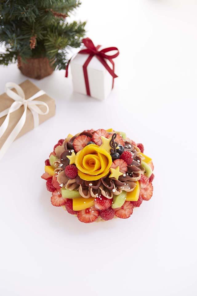 【カフェコムサ】いちごに降り注ぐ雪をイメージしたクリスマス限定ケーキが可愛い!