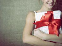 【30代女性に人気のプレゼント】そろそろ用意する?女子友へのクリスマス・プレゼント