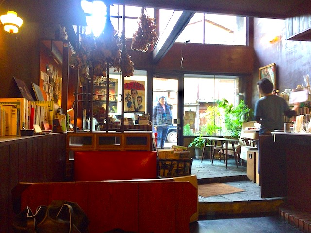 幸せの極厚ふわふわ感!京都を旅したら一度は食べたい「喫茶マドラグ」の玉子サンドイッチ