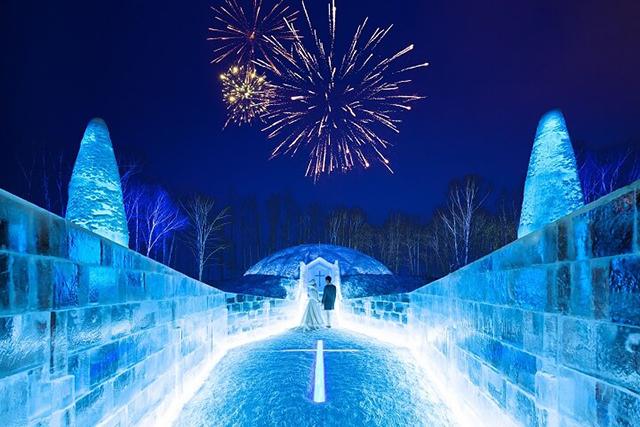 氷に囲まれたドームが並ぶ「アイスヴィレッジ」が2018年も登場【星野リゾート トマム】