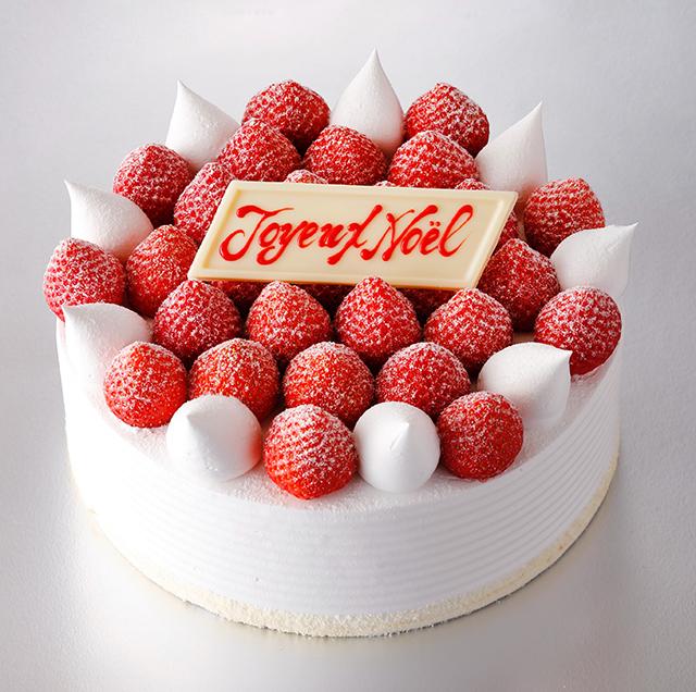 いちご好き集まれ!「あまおう」を40個使用した「スーパークリスマスあまおうショートケーキ」が登場