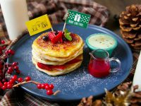神戸旧居留地のカフェから、クリスマス限定3段重ねのパンケーキが登場!