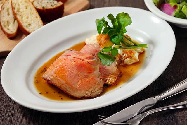 大人気のパン食べ放題ランチ、6種のお料理を盛り合わせた「季節のデリプレート」など、冬に美味しいランチメニューが新登場!