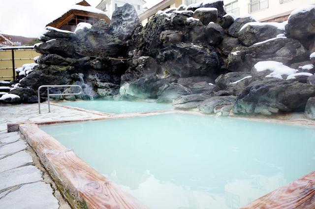 じゃらん満足度ランキング1位!美しいにごり湯の「高湯温泉」って知ってる?