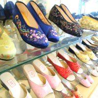 刺繍入りチャイナシューズを台湾旅行の記念に!台北西門町「小格格鞋坊」