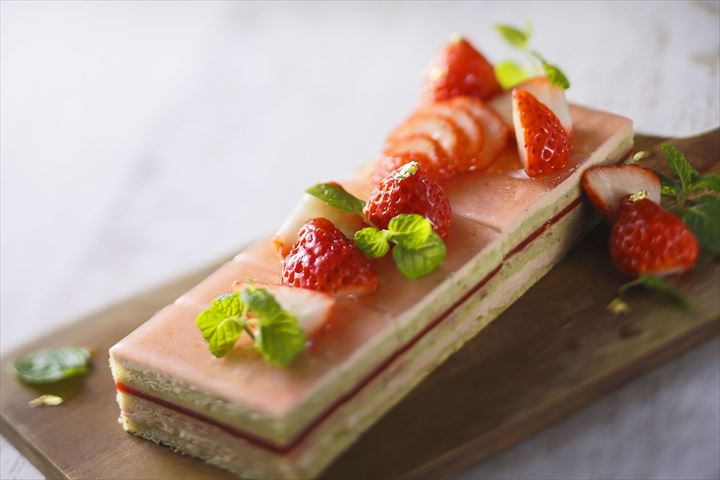 いちごスイーツが25種類も!Sweets Buffet~Strawberry Gift Collection~