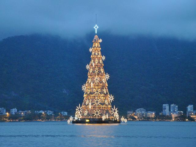 真夏のクリスマス!陽気な中南米「ブラジル定番」の過ごし方