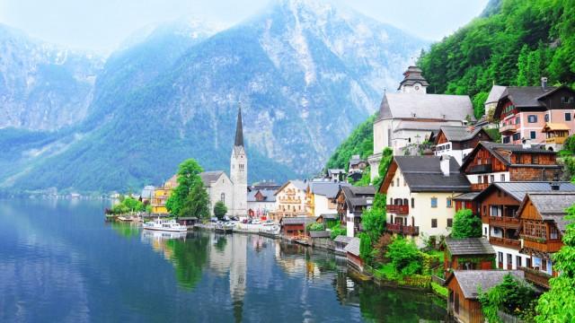 世界の湖畔で最も美しい町「ハルシュタット」で癒される旅