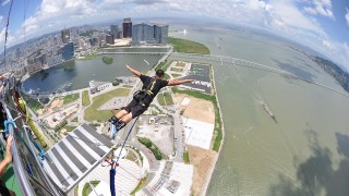 ギネス認定世界一!「マカオタワー」223mのバンジー体験