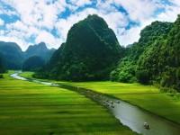 静けさ広がるベトナム「洞窟を抜けると桃源郷であった」