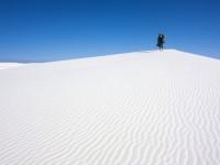 広大な荒野に突然あらわれる、純白の砂丘「ホワイトサンズ」