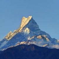 エベレストに登るにはいくらかかる?