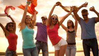 ググる世代〜バブル世代まで、「卒業旅行のタイプ」で分かる世代の価値観