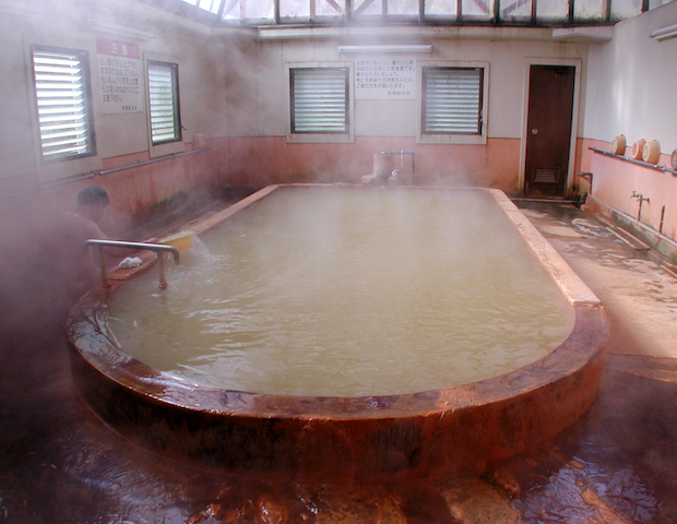 【温泉大国】九州で巡る「カラフルな温泉」たち