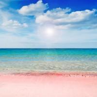 何色のビーチが好き?パントーンカラーで表現された、世界の美しいビーチ