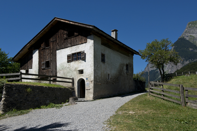 行ったことがなくても懐かしくなる、スイスで再現された「ハイジの家」