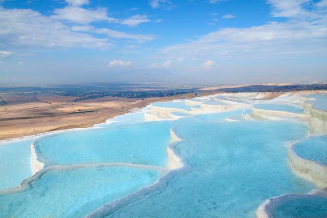 見ているだけで湯上がり気分、世界の美しい温泉地5選