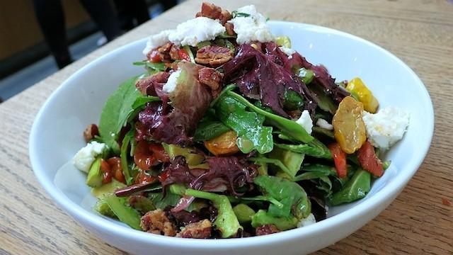 これは食べたい!LAの野菜たっぷり「ヘルシーフード」レストラン10選