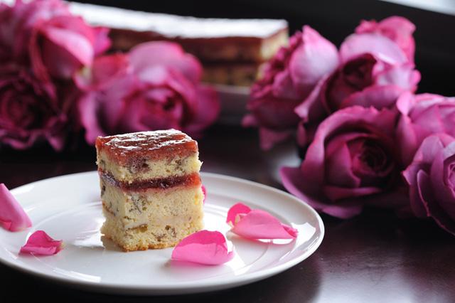 春爛漫!本物の花が織り込まれた、上品な「花スイーツ」4選