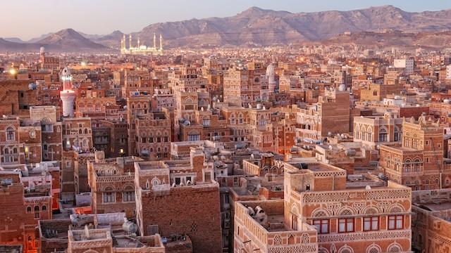 【イエメンの世界遺産】不思議美しい、世界最古の摩天楼都市「サナア」