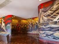 岡本太郎もびっくり?シケイロスの壁画が見られるメキシコシティのスポット