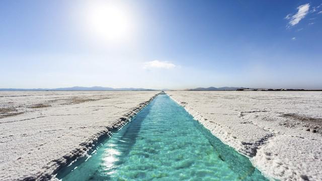 【ウユニ湖だけじゃない!】美しすぎる世界の塩湖、写真で巡る7つの絶景