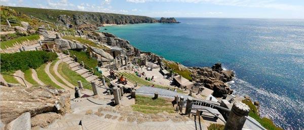 【英国】断崖絶壁の劇場に不思議な庭園まで!見どころが満載なコーンウォール