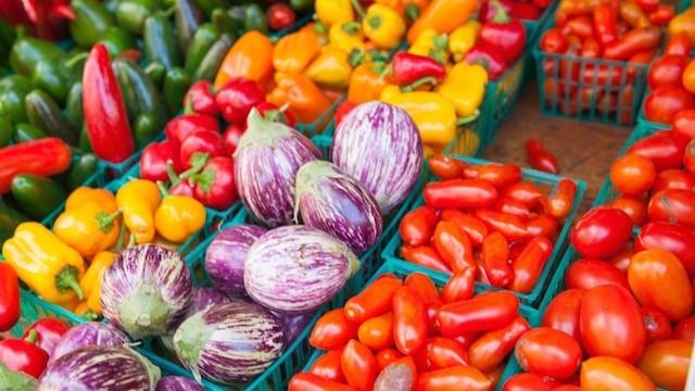 フレッシュな野菜は美しい。NYの人気市場、グリーンマーケットで旬を味わう