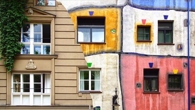 ウィーンの街でひときわ目を惹く、カラフルで自由なフンデルトヴァッサーハウスへ