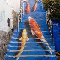 歩いてみたいな。世界の素敵すぎるアートな階段