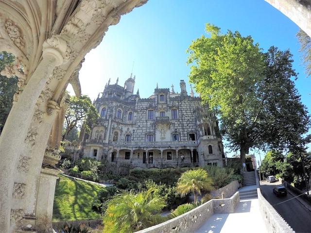 魔城へようこそ。大富豪がつくった奇妙な理想郷「キンタ・ダ・レガレイラ」