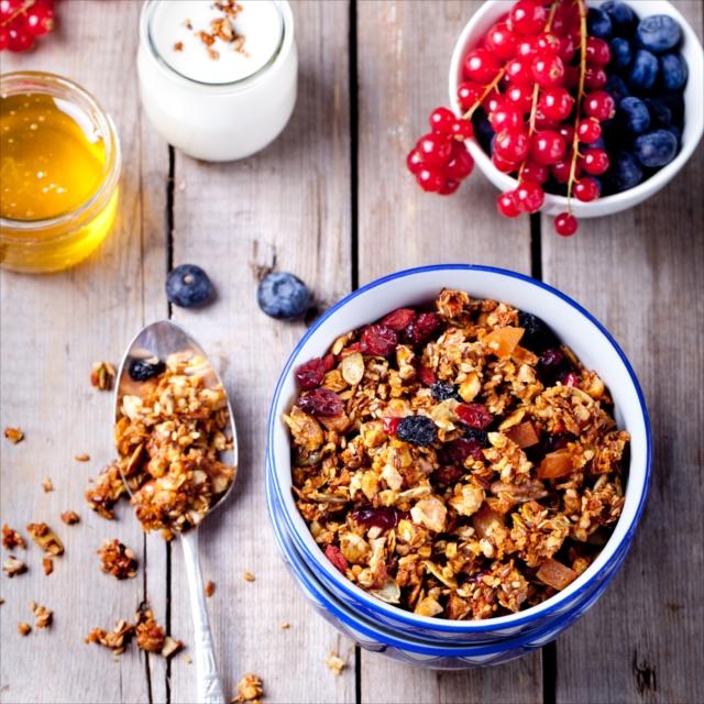 ヘルシーで美味しい、 朝食の新定番「グラノーラ」を手作りしてみよう