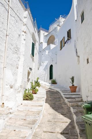 「太陽」と「海」という言葉がぴったり!南イタリアの魅力満載の町